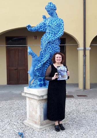 DR. MELANIE ZEFFERINO, Chief Curator, Florence Biennale, Presenting the GOLD LIST Special Edition of The International Art Market Magazine at Florence Biennale 2017
